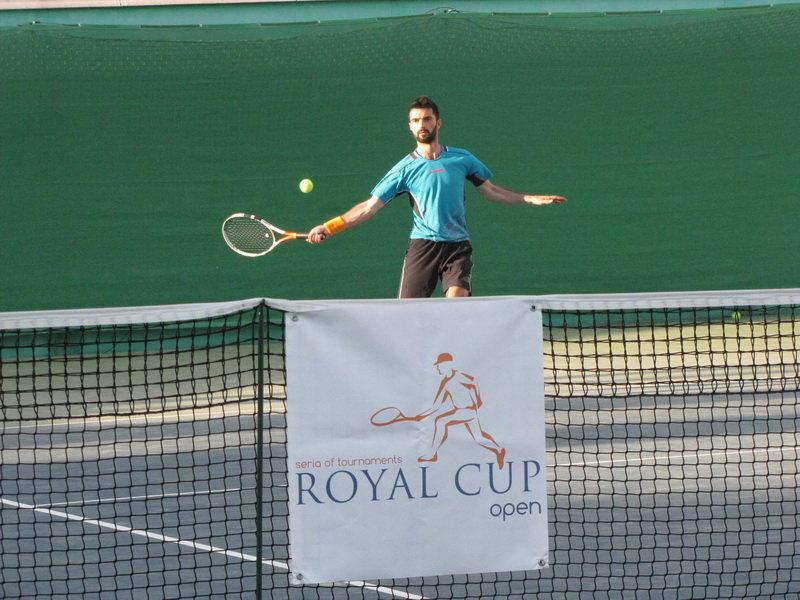 Группы формируются по следующим критериям  теннис для начинающих (дети 4-7  лет  дети старше 7 лет  взрослые), средний уровень и для профессиональной  ... 3ecb80b1d43
